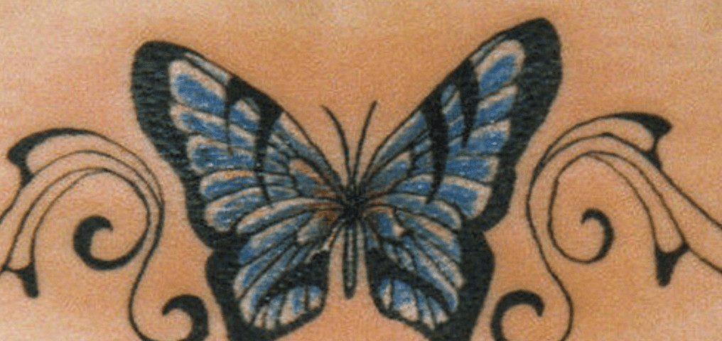 Schmetterlingstattoo auf dem Rücken
